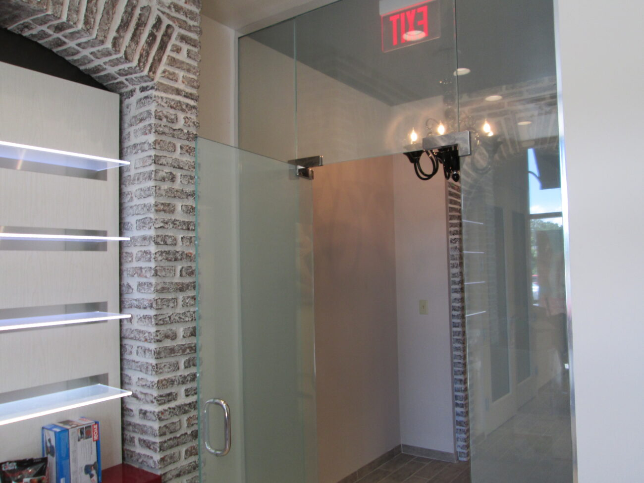 Retail Business Entry Doors : Retail storefront glass aluminum windows in